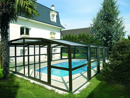 Abri piscine desjoyaux belley for Abri piscine occasion