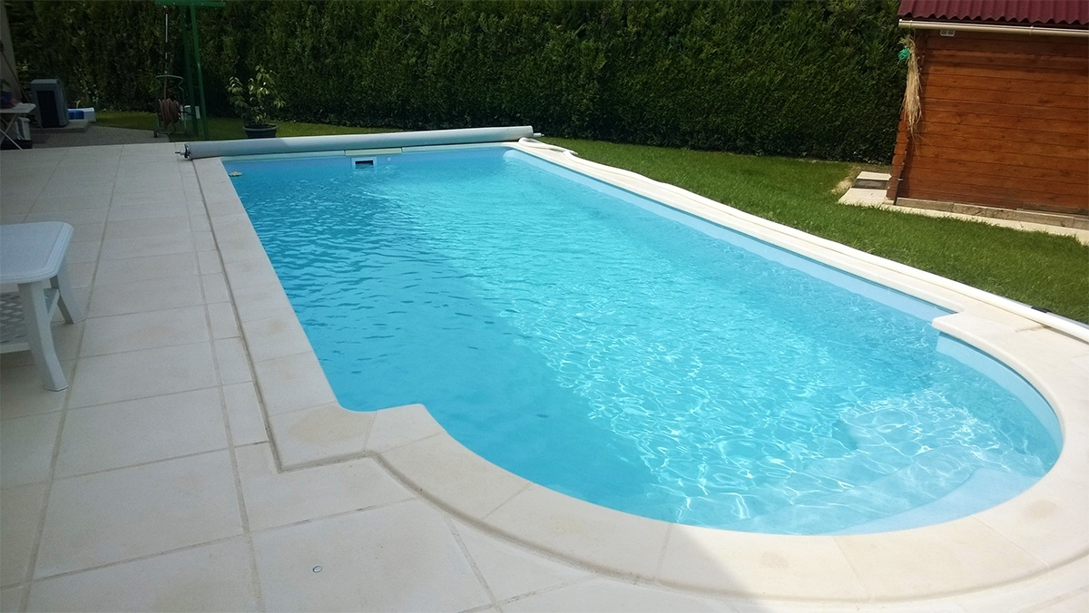 Photos piscine desjoyaux collot belley for Piscine construction