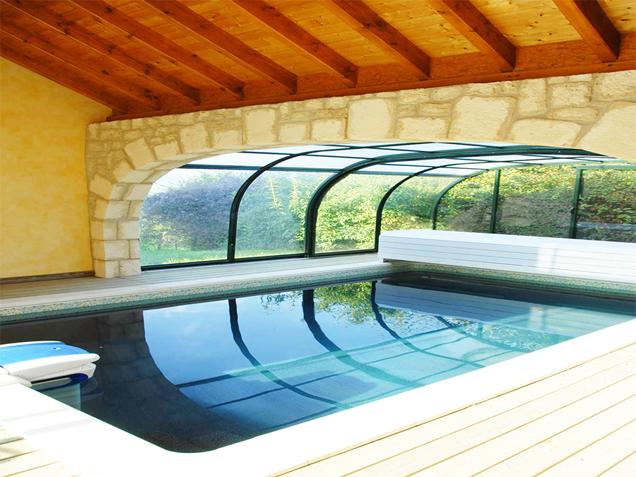 Photos piscine desjoyaux collot belley for Paysage interieur exterieur